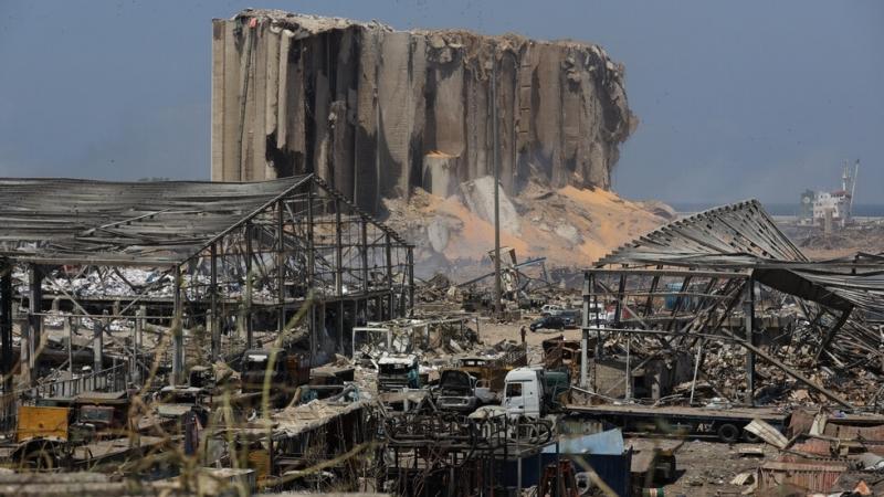 Щетите, причинени от унищожителната експлозия на пристанището в Бейрут, надхвърлят
