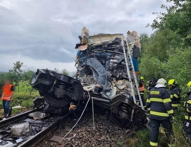 Няма данни за пострадали български граждани при влаковата катастрофа до