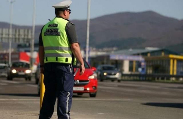 Близо 100 нарушители са заловили полицаи от Враца при проведени
