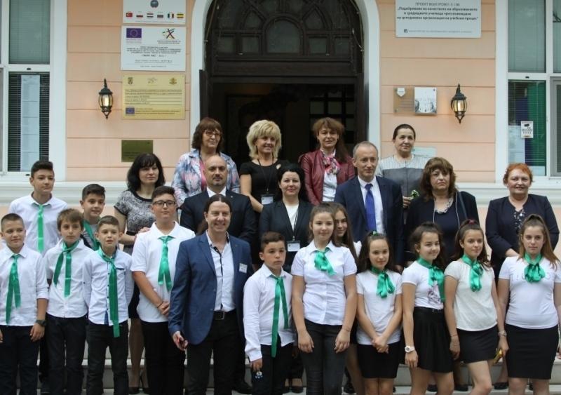 Днес министърът на образованието и науката Красимир Вълчев посети Средно