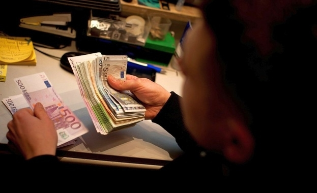 Емигрантите пращат все повече средства у нас, показват данните на