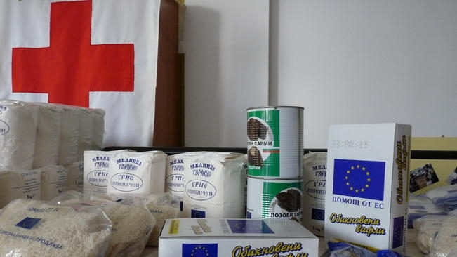 Снимка: Раздават хранителни помощи на най-нуждаещите се в Козлодуй
