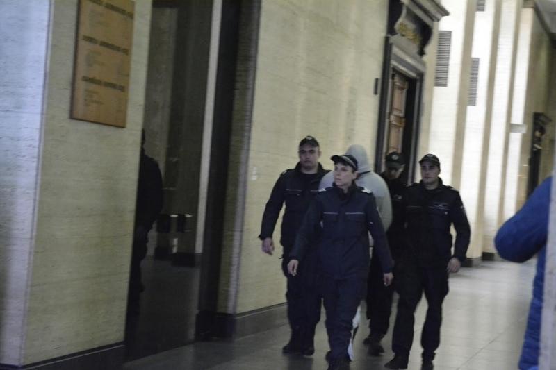1.5 г. затвор отнесе шофьор от Мездра, подкарал колата си пиян