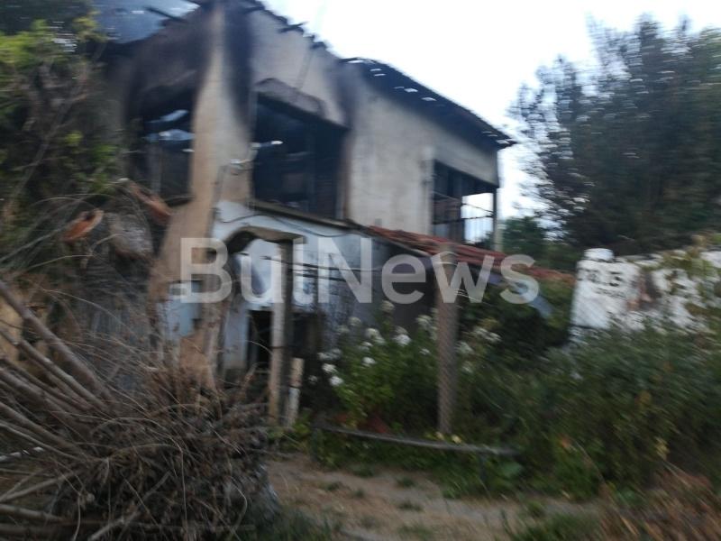 Родителите на изгорелите при големия пожар във врачанското село Комарево