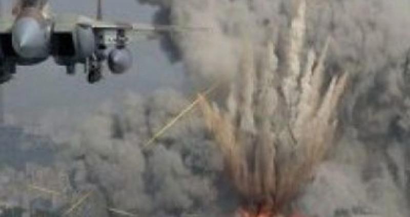 Най-малко 20 души са убити и 40 ранени при въздушен