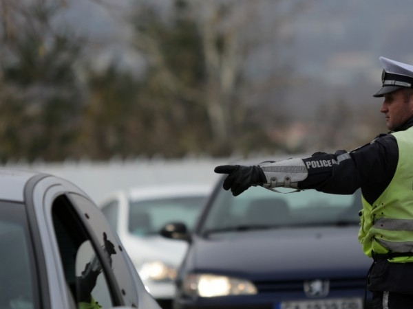 Софиянци се прибират, трафикът по магистралите интензивен