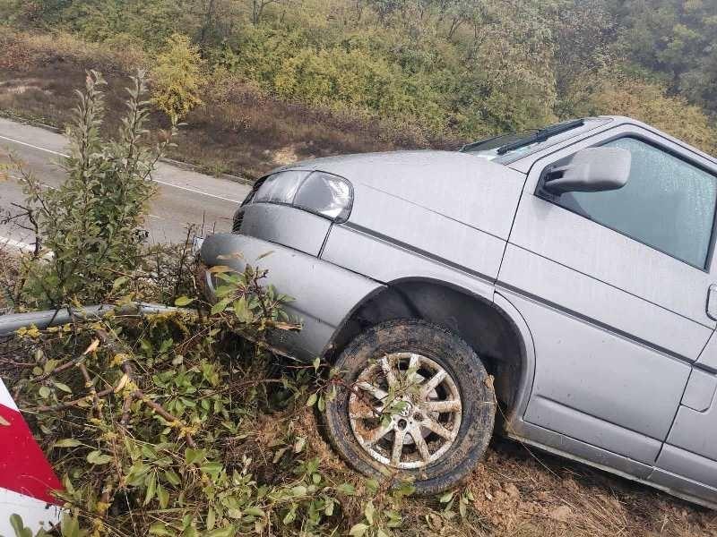 Кола е катастрофирала край видинското село Бела, научи агенция BulNews.