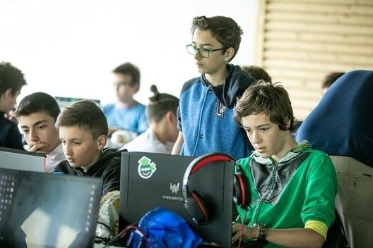 Училищна Телерик Академия - най-мащабната безплатна ИТ инициатива за ученици