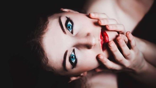 В кои жени мъжете се влюбват до безсъзнание
