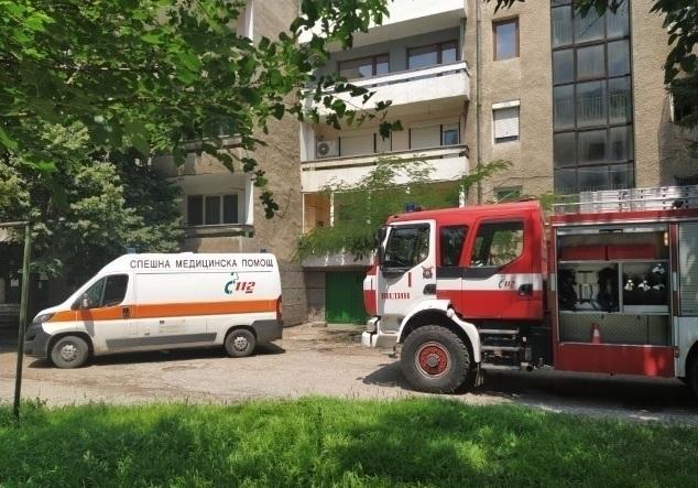 Възрастна жена бе спасена от пожар заради газова бутилка в