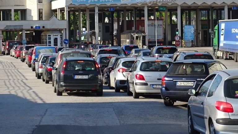 На ГКПП - Кулата- Промахон трафикът е временно затруднен, съобщиха