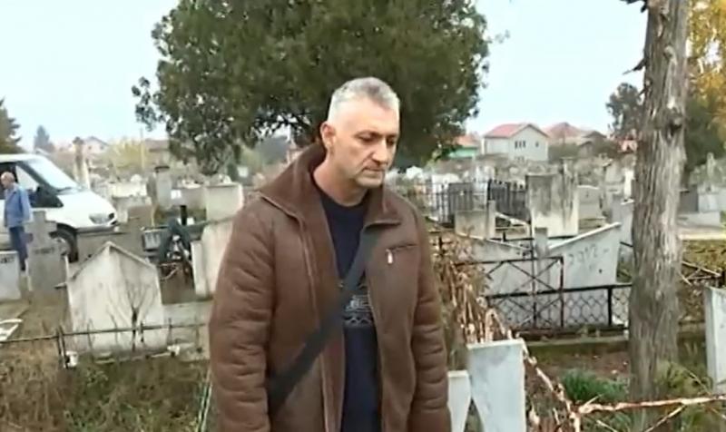 Пълен абсурд в Лом: Труп изчезна от гроб, на негово място се появи друг /снимки/