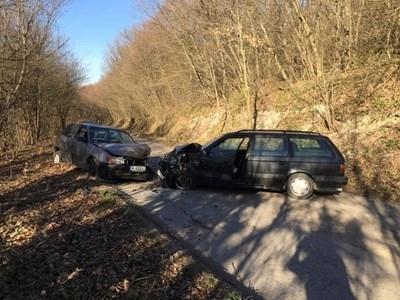 Пиян и неправоспособен шофьор предизвика катастрофа рано тази сутрин край