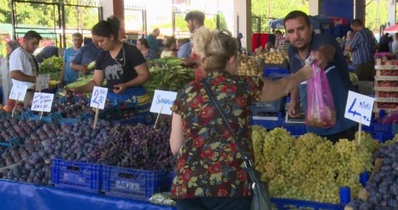 Пазарите в Одрин се препълниха с българи. Въпреки чакането по