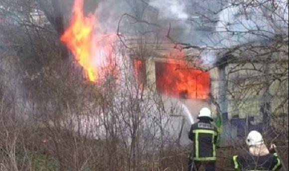 Пожар едва не изпепели къщата на семейство от видинско село,