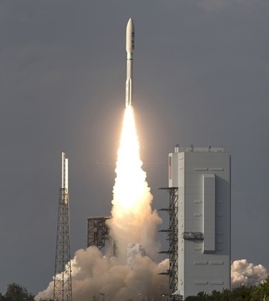 """НАСА изведе в орбита с помощта на тежката ракета-носител """"Атлас"""
