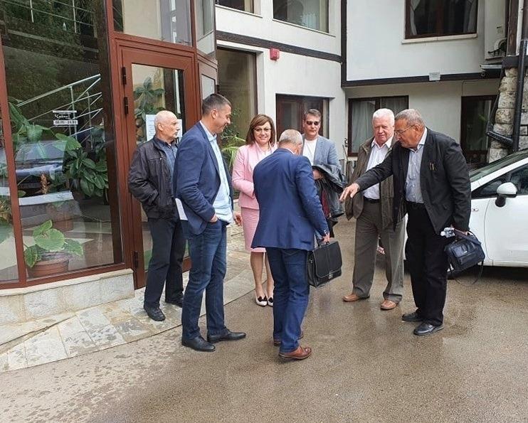 На пресконференция във Враца председателят на БСП Корнелия Нинова коментира