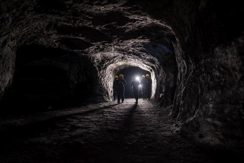 Двама души са ранени при взрив в мина близо гоизточния
