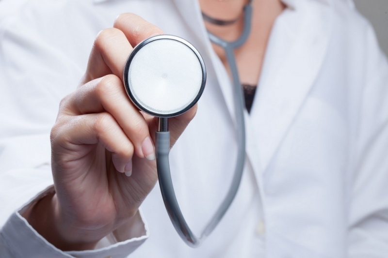 """Д-р Крум Бънков от Монтана получи приза """"Лекар на годината""""."""