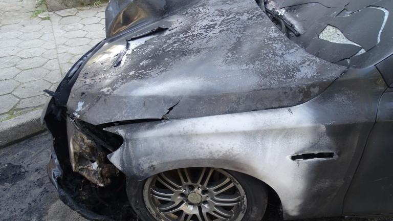 Кола горя в Бяла Слатина, съобщиха от МВР във Враца