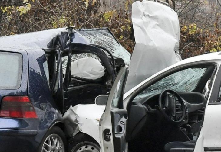 Жена е пострадала при катастрофа край Обзор. Челно са се