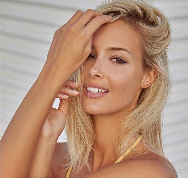 Унгарският модел Виктория Варга остави с отворени уста почитателите си