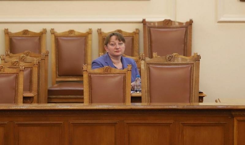 Социалният министър Деница Сачева съобщи пред медиите в Министерския съвет,