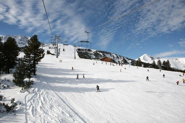 Зимните ни курорти привличат най-мното туристи от съседите