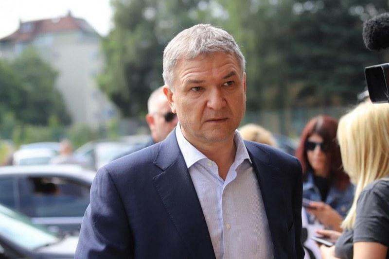 Обвиняемият бизнесмен Пламен Бобоков заяви пред бТВ, че съжалява затова,