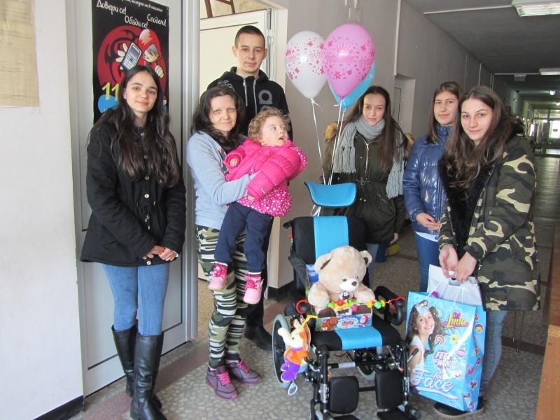 3-годишната Габриела от Берковица, която е с детска церебрална парализа,