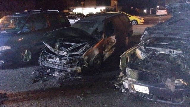 Три коли са горели в Монтана тази нощ, съобщиха от