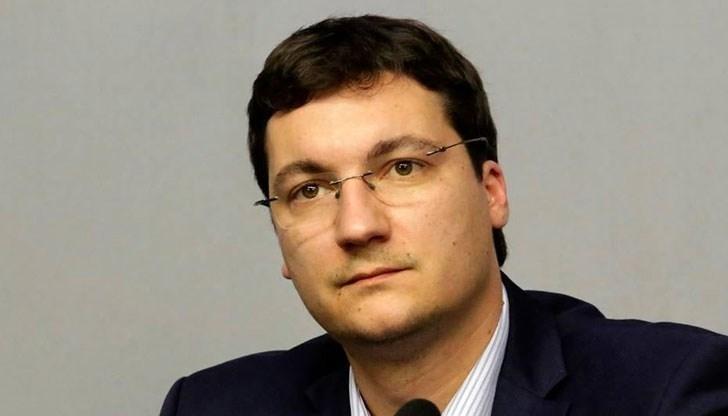Директорът на Атгенцията по вписванията Зорница Даскалова и министър Цецка
