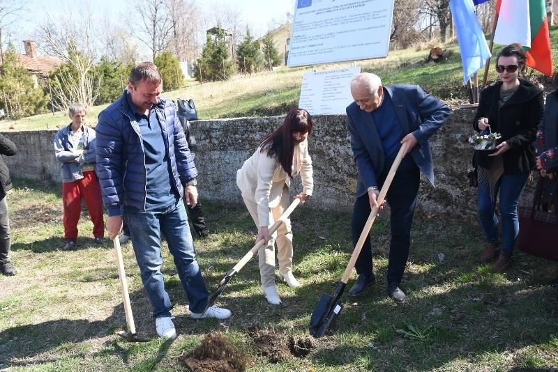 """Стартира ремонтът на общинските пътища Лом-Замфир, Сталийска махала - """"Багачина"""""""
