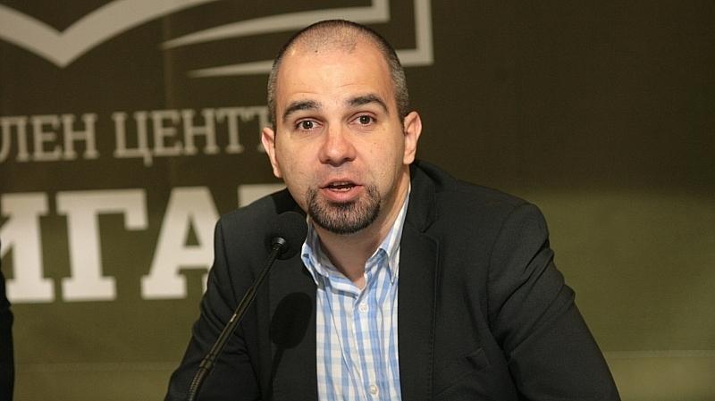 ГЕРБ си вкара куриозен автогол, заяви политологът Първан Симеонов –