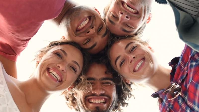 """Учени откриха какво ни прави щастливи. Проучване, осъществено от """"АмазонСмайл"""","""