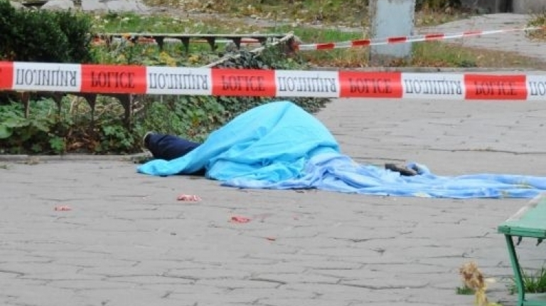 76-годишен мъж от Дупница е скочил от третия етаж на