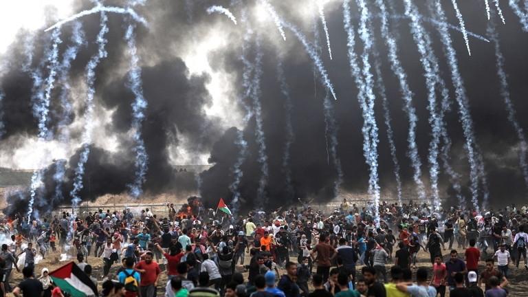 Израел арестува най-малко 100 палестинци, включително 18 деца, само за