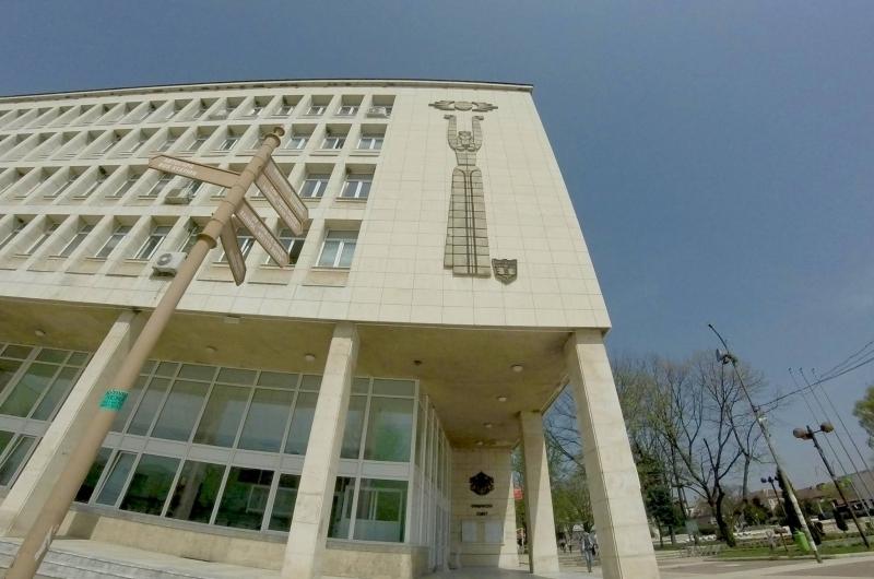Снимка: Общинските съветници в Мездра заседават по 14 точки