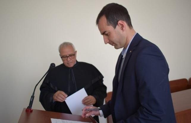 Новоназначеният съдия в Районен съд Козлодуй - Борислав Методиев, положи