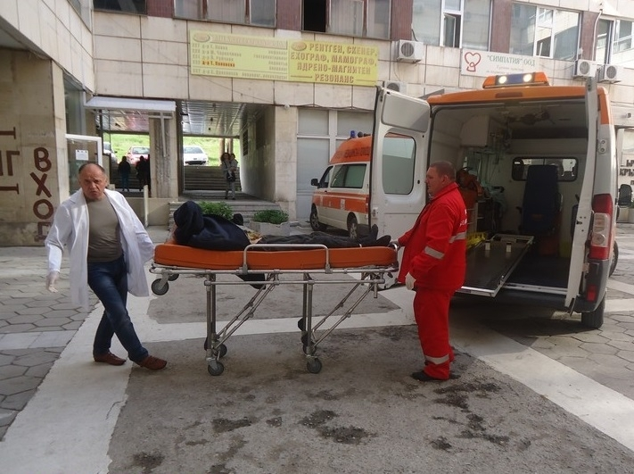 Работник в цех за мебели в берковско село е ранен
