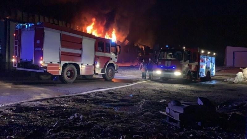 Човек е загинал при пожар в дома си във Враца,