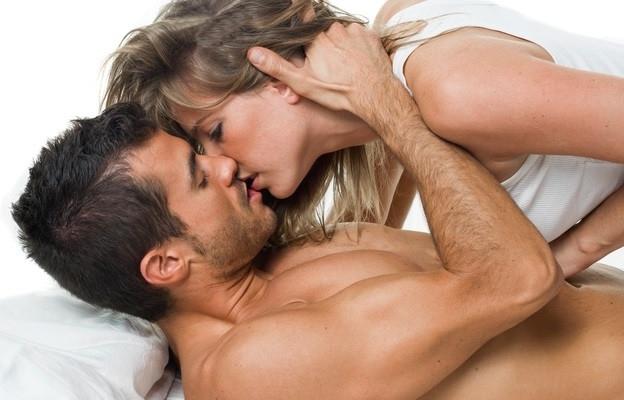 Различните секс пози и изпробването им е много здравословно за