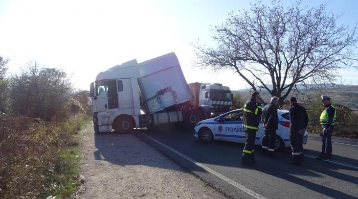 Пиян шофьор катастрофира с камион на Е-79 край Монтана