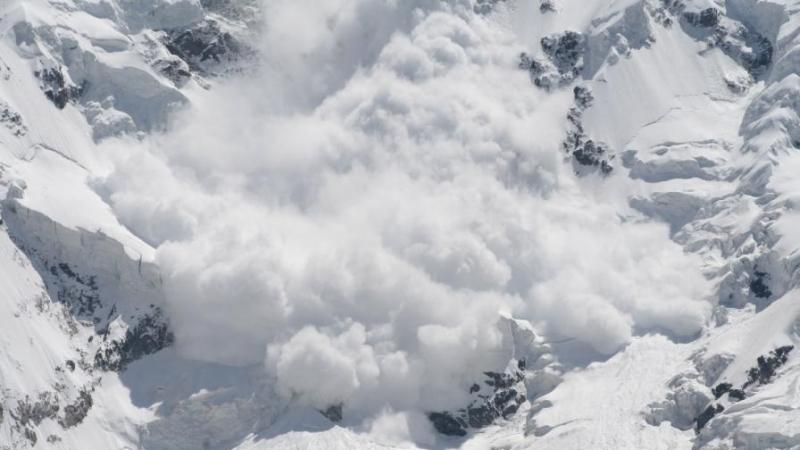 Снимка: Лавина в американски курорт уби скиор
