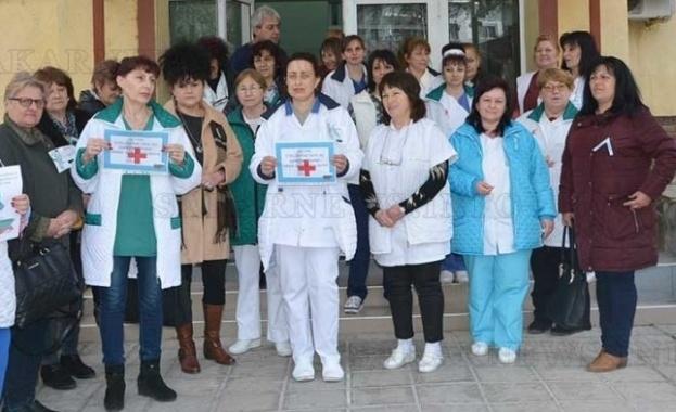 Днес медицинските сестри излизат на протест с палатки пред сградата