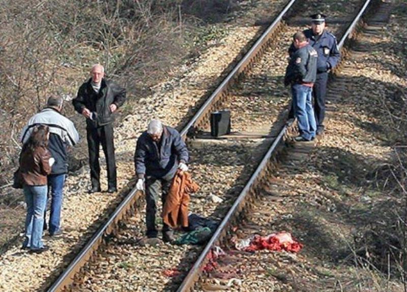 Влак е прегазил възрастен мъж край Бойчиновци, научи първо репортер
