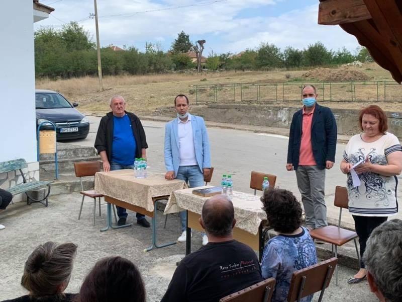 Извършените ремонти по селата, бъдещите проекти и основните проблеми бяха
