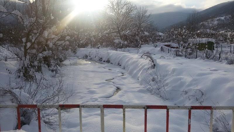Ето колко сняг натрупа в Монтанско