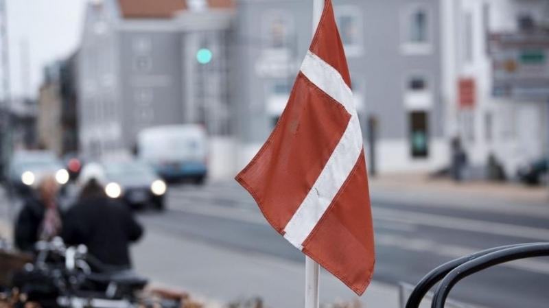 Дания затваря всички детски градини, училища и университети за срок