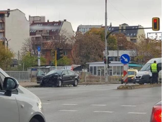 """Тежка катастрофа е станала на кръстовището на бул. """"Тодор Александров"""""""
